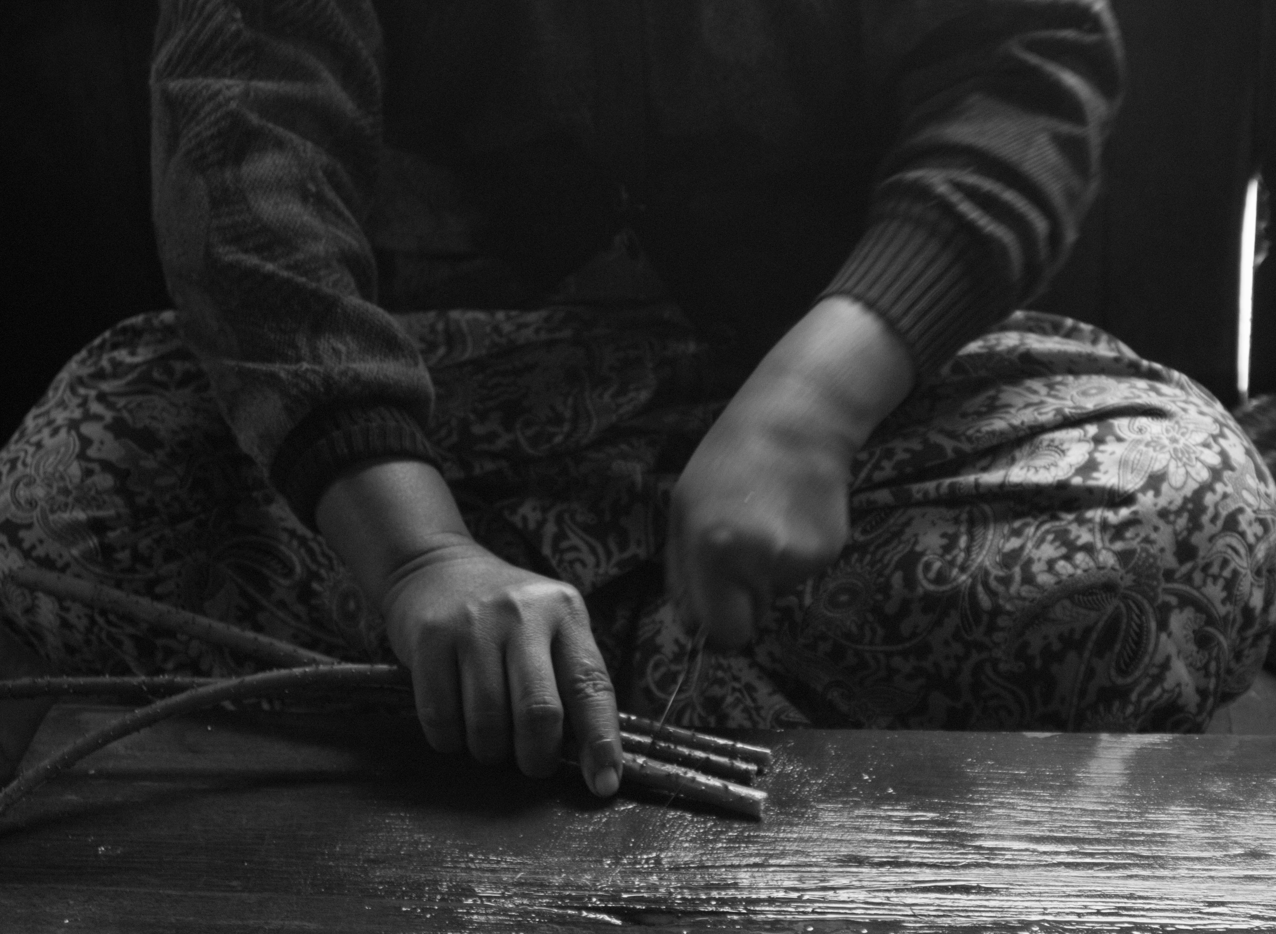 Inle Lotus Silk Hands