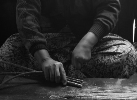 Inle Lotus Silk Hands